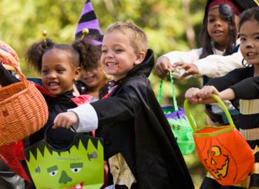 http://familiesintheloop.com/wp-content/uploads/2011/10/Halloween.jpg